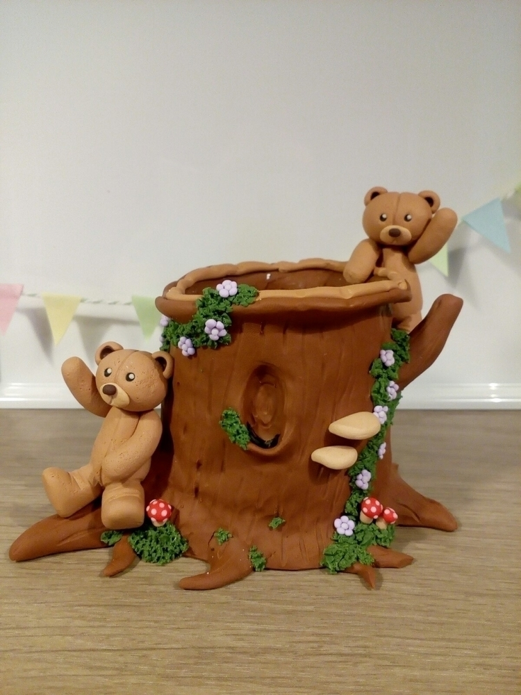 bears treetrunk. pen holder - littleclaybears - jessica_littleclaybears | ello