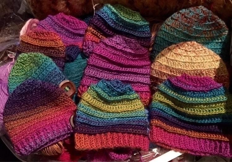 Hand woollen - children, kids, kidsfashion - medusas_handmade | ello