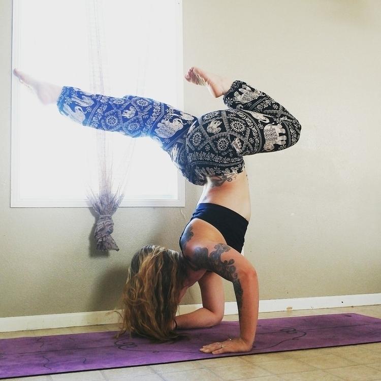 yoga#yogi#tattooedyogi#yogababe#yogagirls#yogafit#yogafitness#yogastrong#yogahealth#yogaeverdamnday#yogadaily#yogajunkie#yogaholic#yogaaddicted#yogaaddict#yogainspiration#yogaprogressjourney#yogaprogress#yogapractice#practiceandalliscoming#yogajourney#shareitwiththeworld#Namaste - dancing_yogini_momma | ello