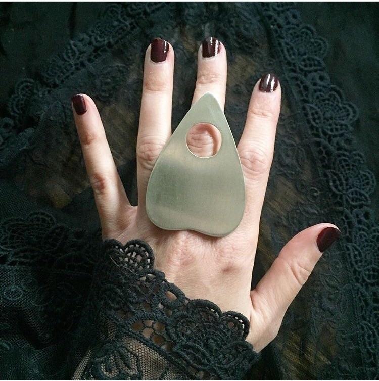 planchette ring big black heart - blackumbrellajewelry | ello
