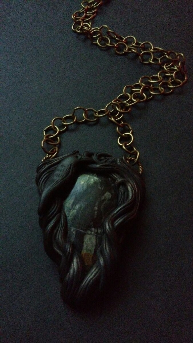 crow pendant picasso jasper lis - themoonbeams | ello