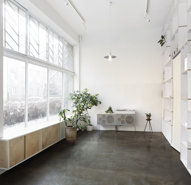 High ceiling retail space. This - upinteriors | ello
