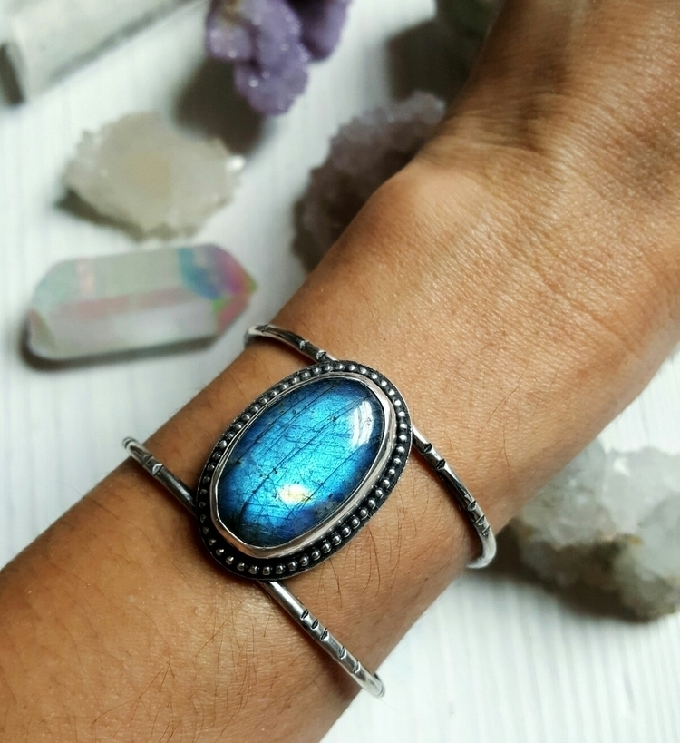 finished labradorite cuff aweso - starnative | ello