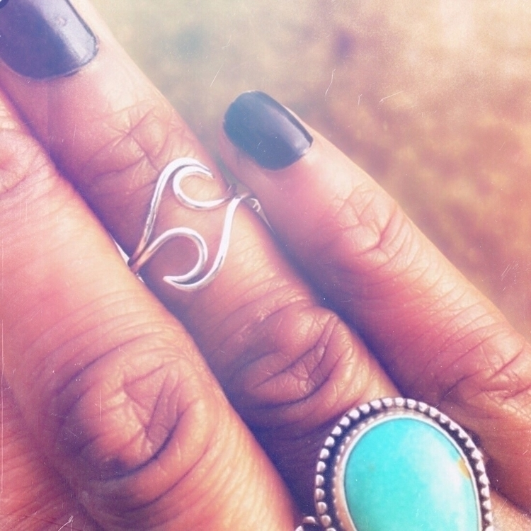 Undercurrent Ring size. Listed  - silversmitharroward   ello