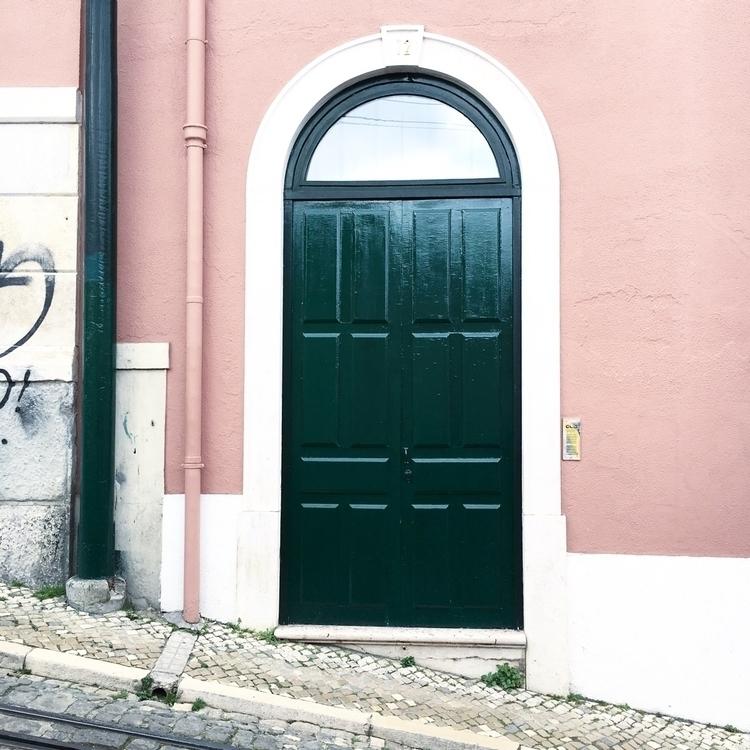 Lisbon. Source - travel, adventure - wonceco | ello