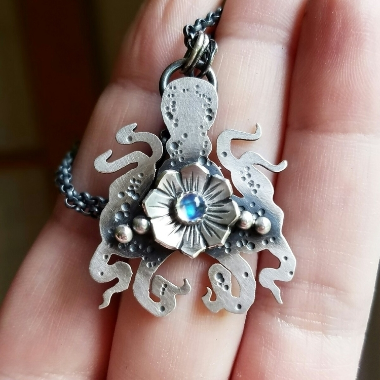 Octopus reminds spiritually int - chromafusion | ello