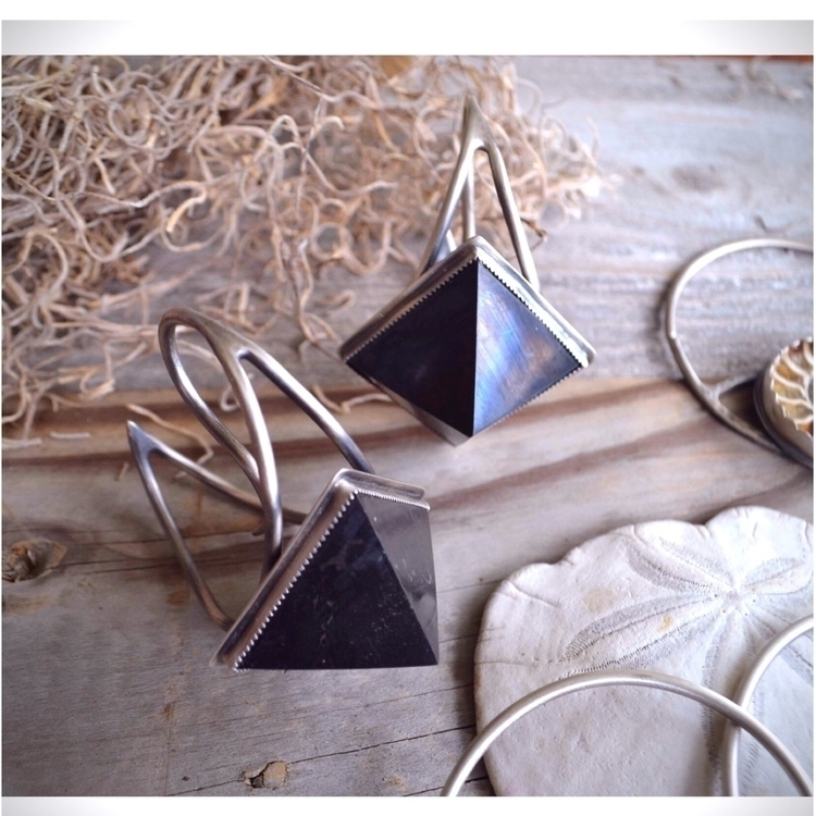 Shungite pyramid ear weights. s - baronesswolfe | ello
