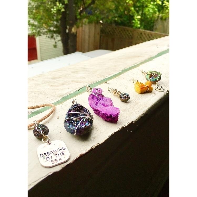 :sparkles:sparkling druzy beaut - stonesnthingsdesigns | ello