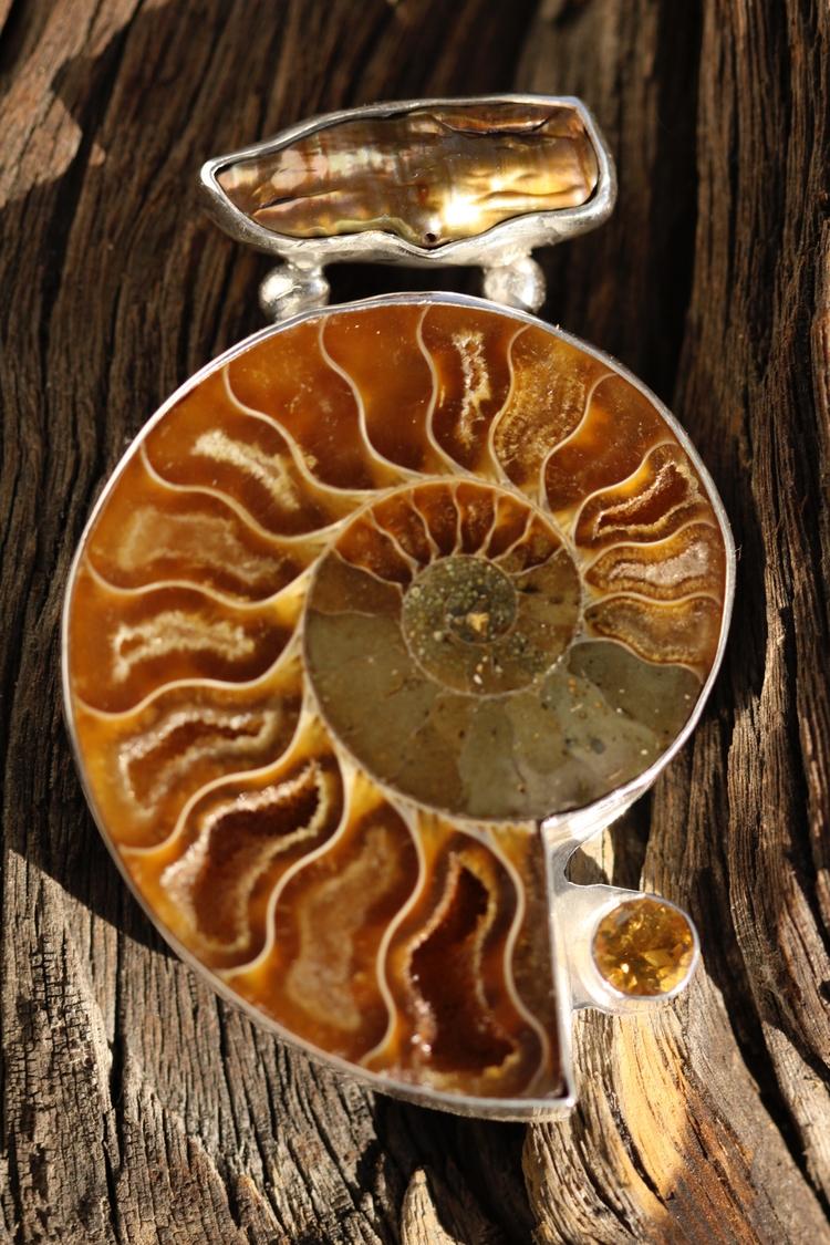Ammonite Biwa Pearl Medeira Cit - desertnightsstudio | ello