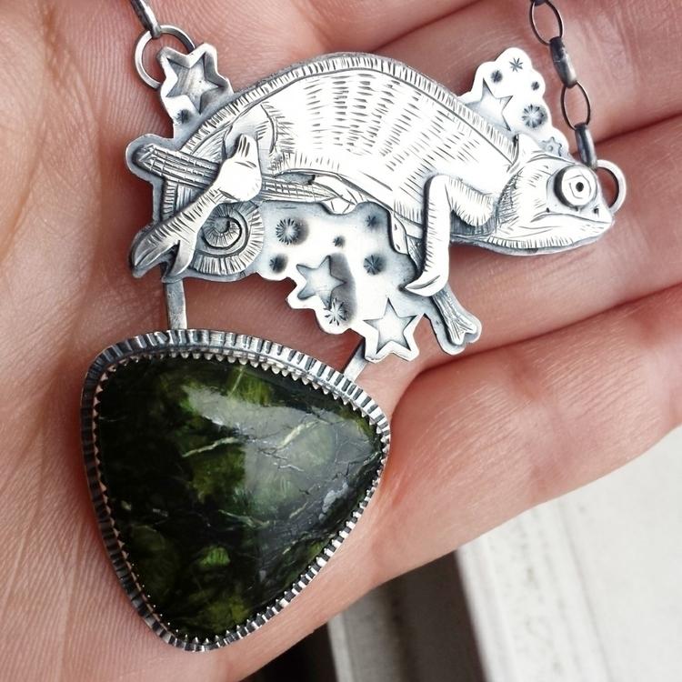 piece honor chameleon Crystal.  - alleyec | ello