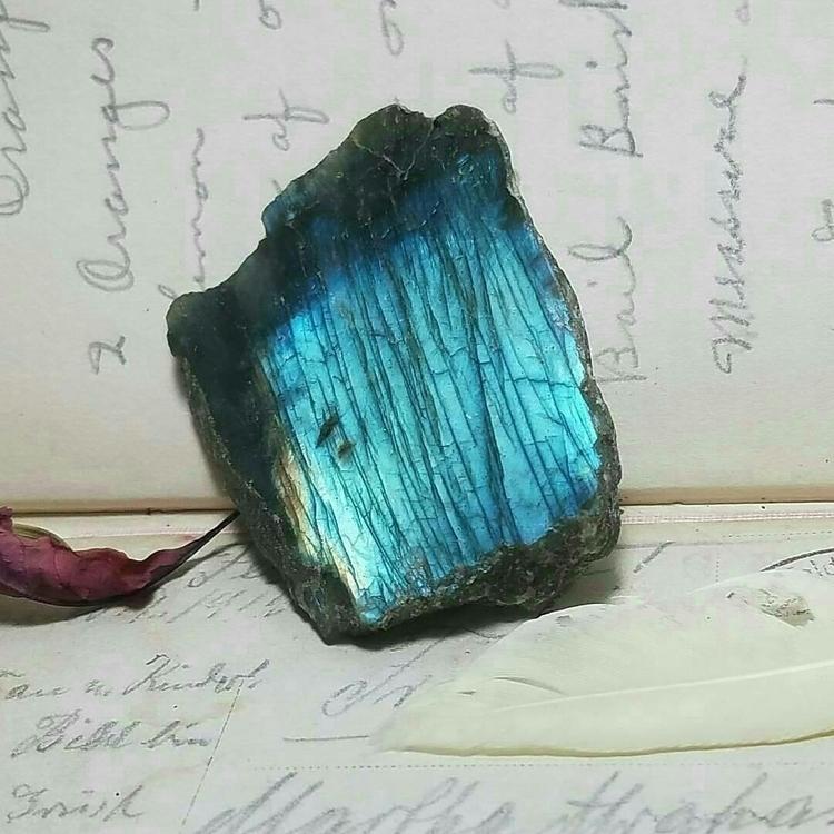 love Labradorite varieties - crystals - agnesinwonderland | ello