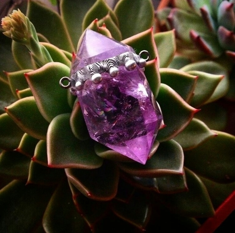 delicate amethyst rainbow inclu - cristallunacraft | ello