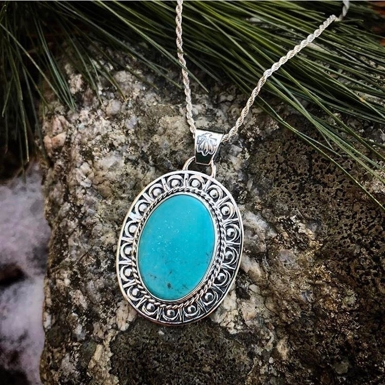 Turquoise medallion necklace. e - lisajdesigns | ello