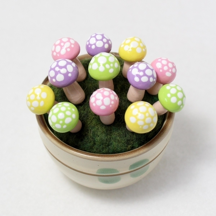 Colorful pastel toadstools! Per - mariposaminiatures | ello