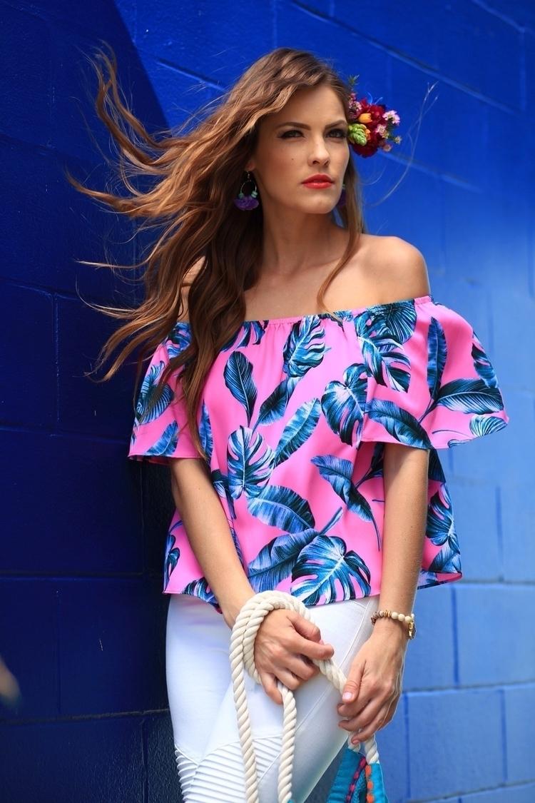 Leilani OTS Top $59 - clotheandarrow | ello