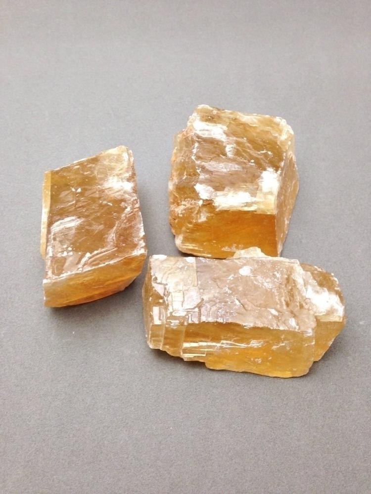 Amber calcite resonates chakras - soulluvshop | ello