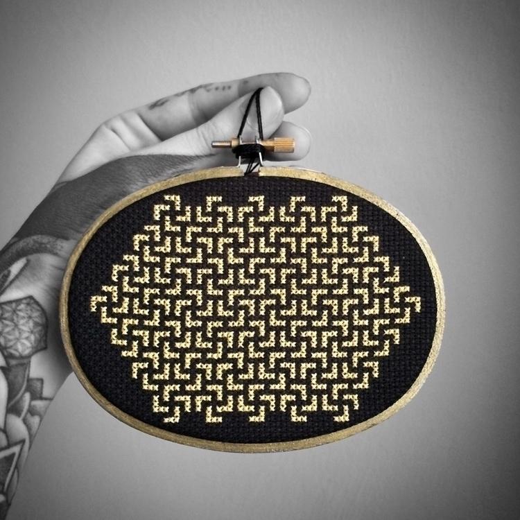 Gold Sacred Swastika Sayagata O - nickistitch | ello