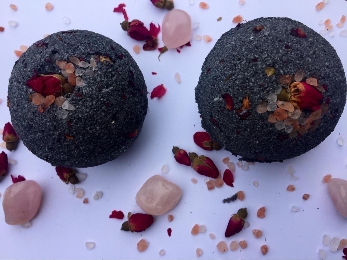 Black Rose Bath Bomb :rose:🖤 si - hippyheartnaturals | ello