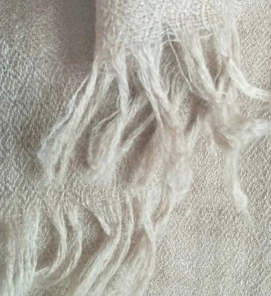 beautiful detailed shot soft sc - magicpashmina | ello
