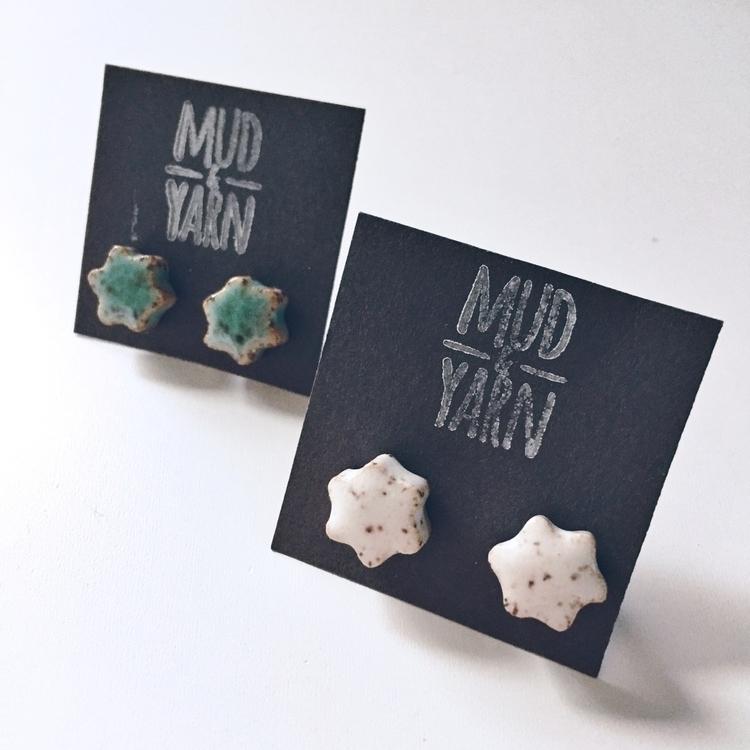 cute flower studs $10!!! kind,  - mudandyarn | ello
