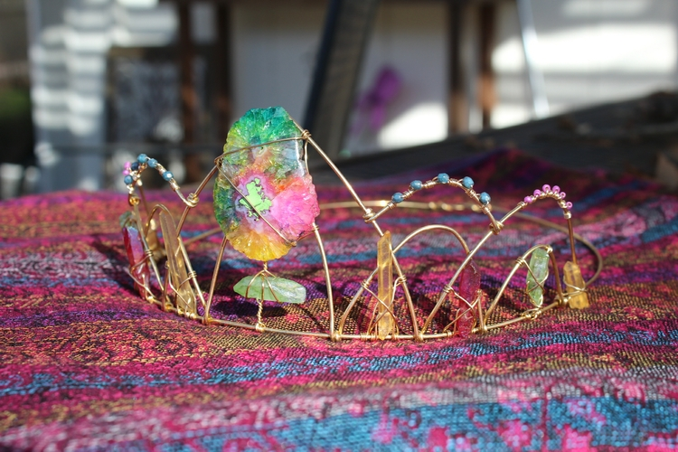 love making crystal crowns! rai - moongoddessvibes | ello
