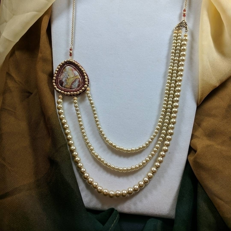 Crazy lace agate + pearls? foca - thisnthatbynikki   ello