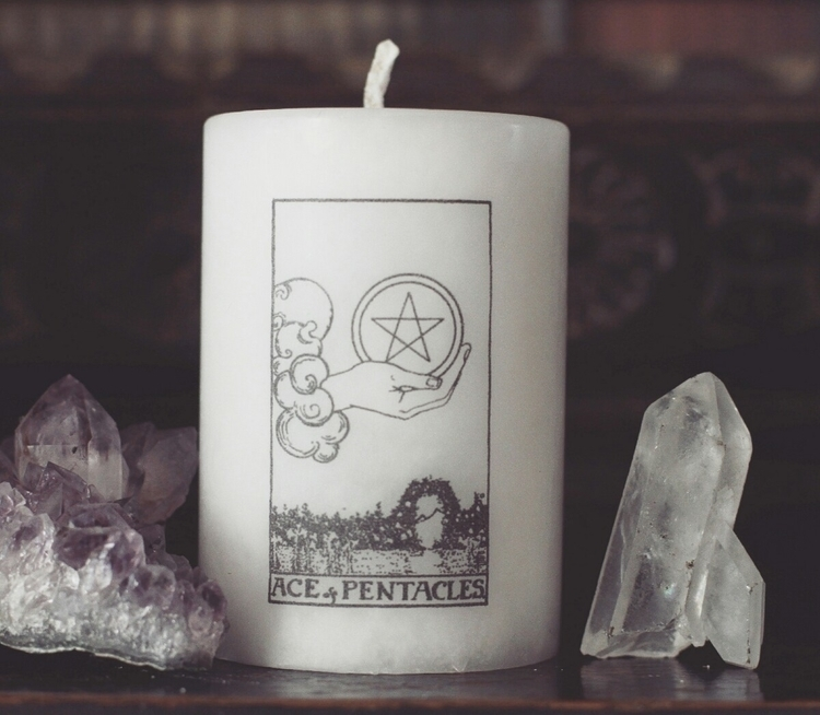 gorgeous candle - aceofpentacles - firsteditioncandleco | ello