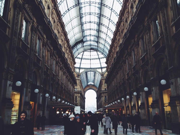 Fashion District | Milan - milan - toriamia | ello