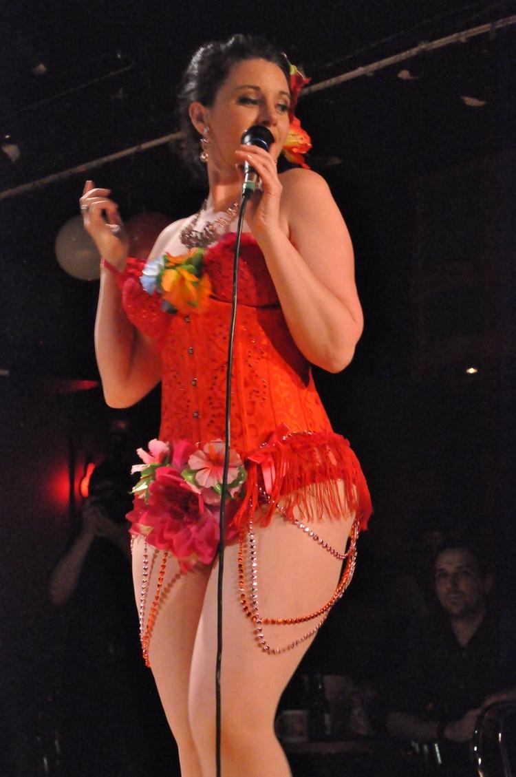 Damiana Dolce burlesque songbir - velmacandyass | ello