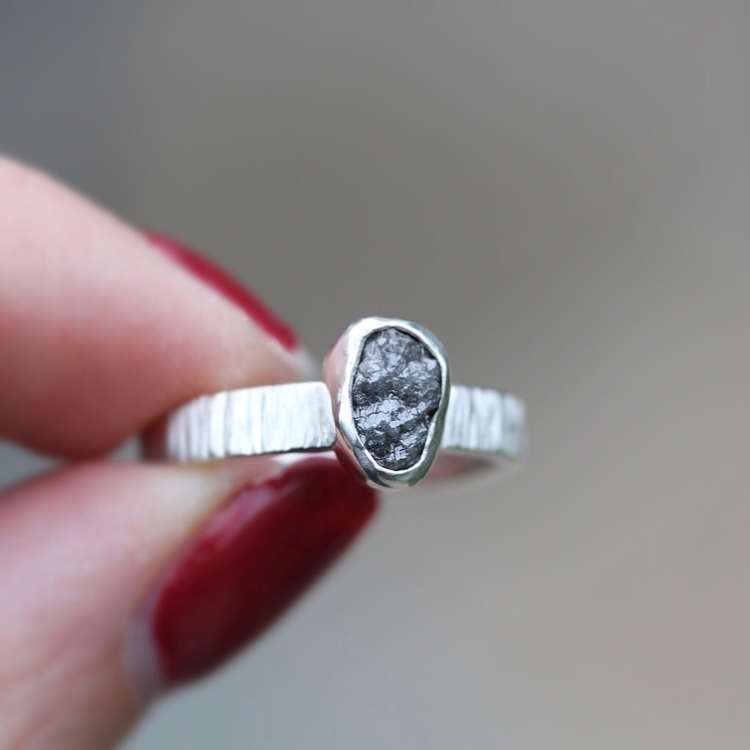 Beautiful rough diamon ring shi - nicolevjewelry | ello