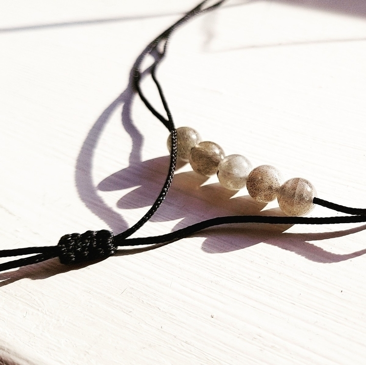 Labradorite wrap choker - magicstones - jojobijoux | ello