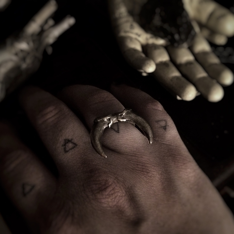 wear claws? Coyote claw rings s - project_om_jewels | ello