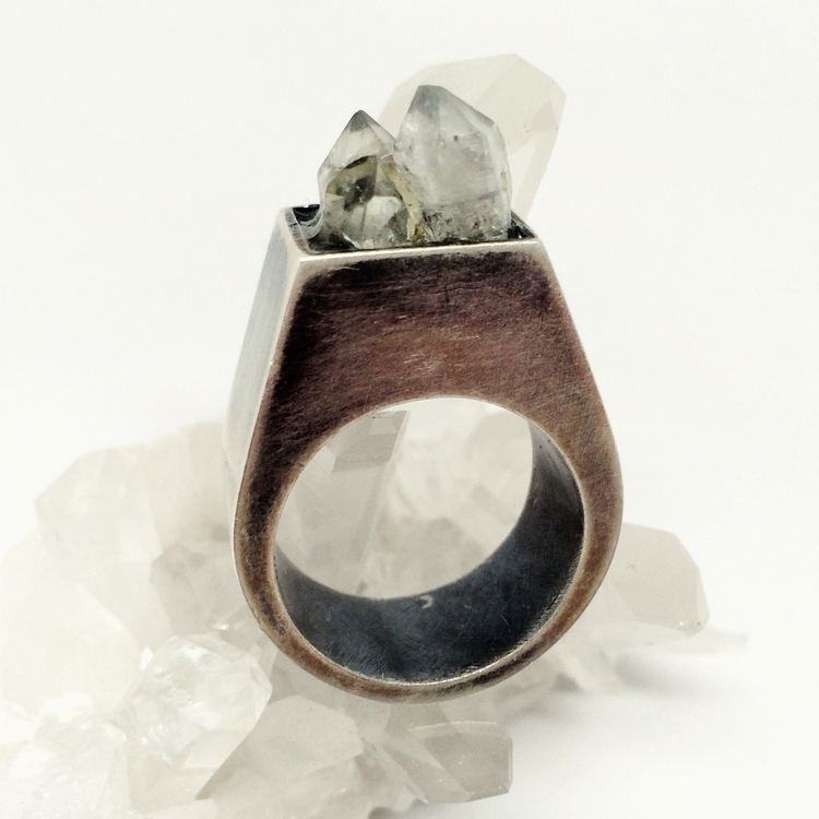 piece ring quartz - hollowform, wildearthjewelry - wildearthjewelry | ello