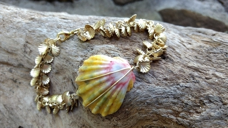 Sunrise Shell Bracelet added sh - flatterydesigns | ello