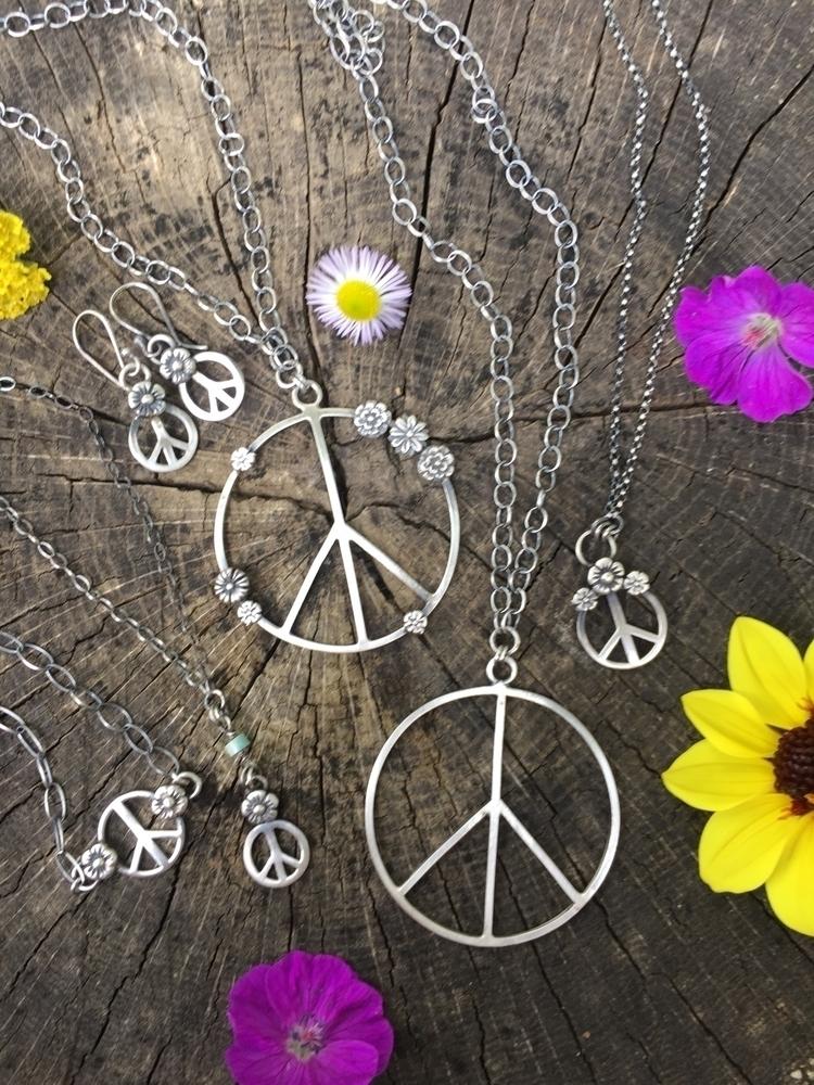 Flower power peace signs! chris - chrissygemmilljewels | ello