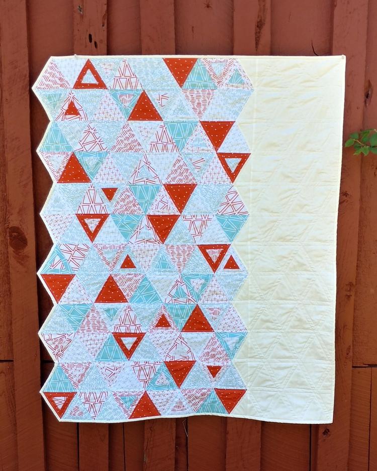 quilt Riley Blake Modern Quilt  - sliceofpiquilts | ello