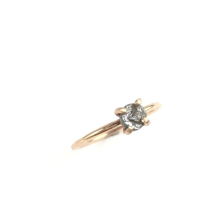 Rings rings, day, day Raw grey  - thelandofsalt | ello