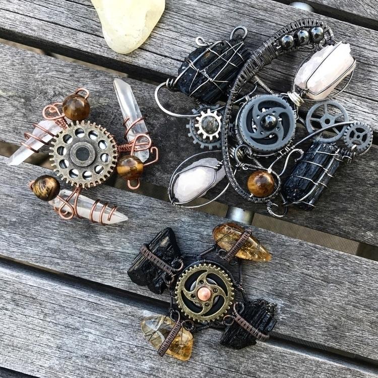 custom crystal fidget spinners  - twistedleafstudio | ello