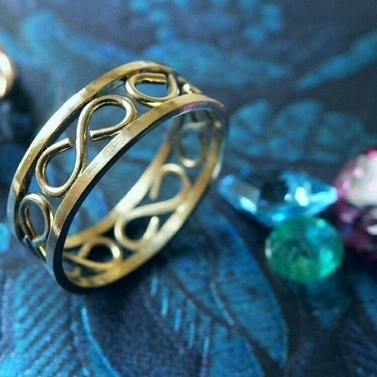 kind 18 karat gold ring - jewellery - adamtacon | ello