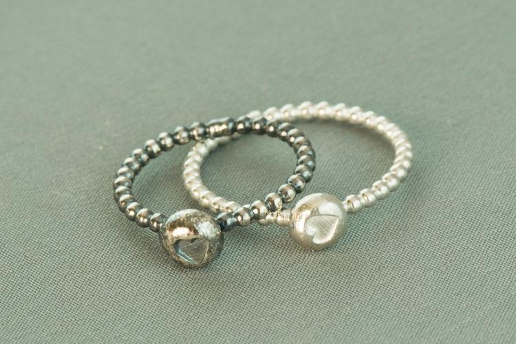 Heart bead stacking ring handma - silverobsessions   ello