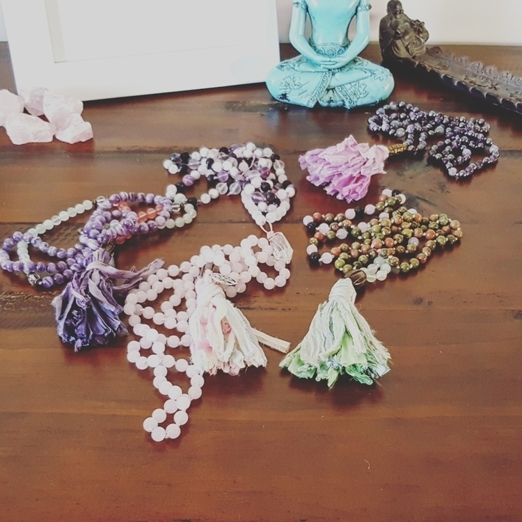 stop moment malas helping carry - clearmoonbyjessie | ello