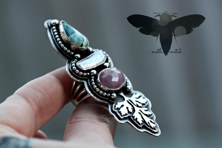 Handmade statement ring featuri - mothmetal | ello