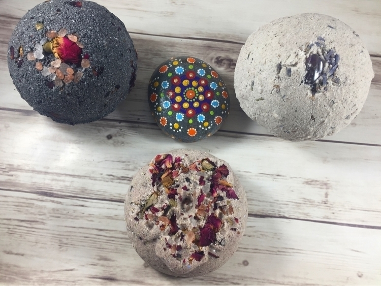bath bombs listed shop:sparkles - hippyheartnaturals | ello