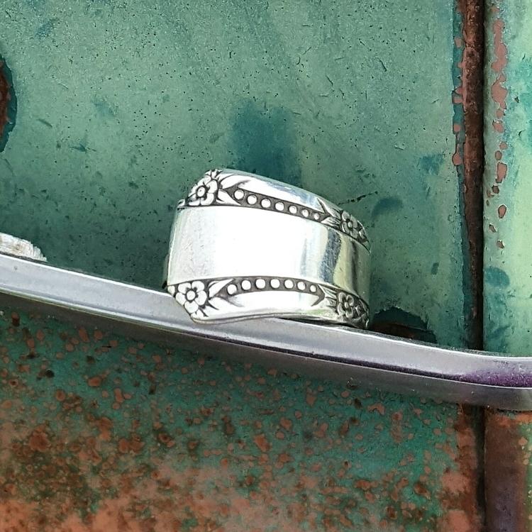 Spoon Ring pattern {Delmar} sit - midnightjo | ello