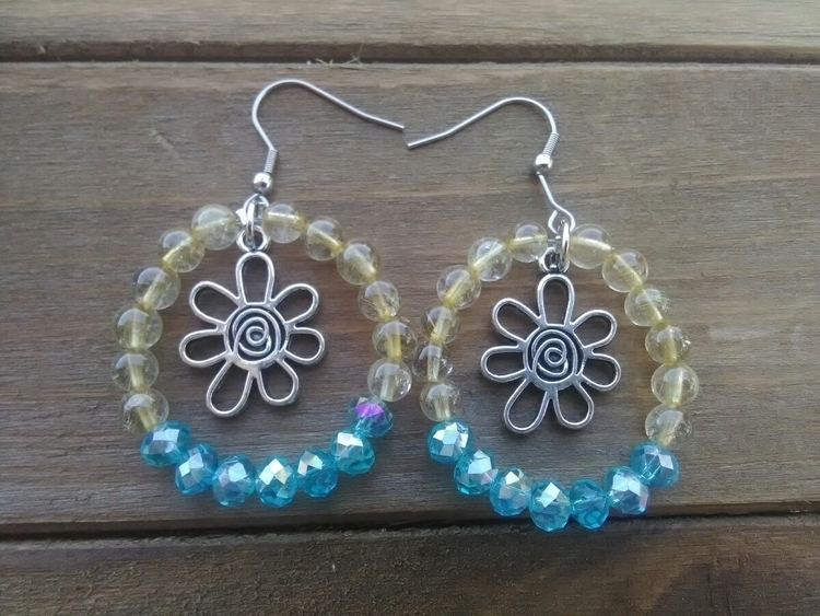 Citrine Flower Earrings - etsy, beadedhoopearrings - fairywitchcreations   ello