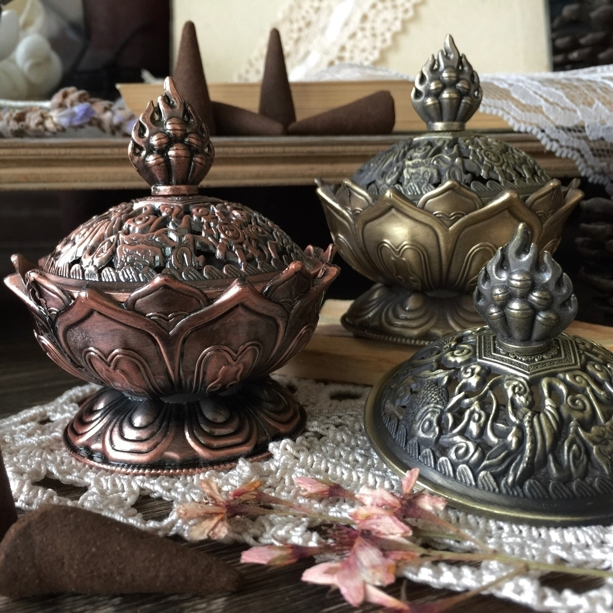 Lotus Incense Burners. love int - junebugjaybird | ello