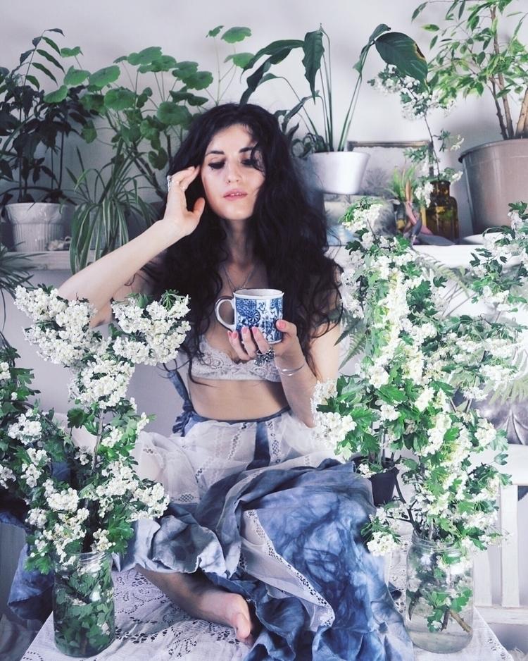 break drink coffee pick flowers - naominowak | ello