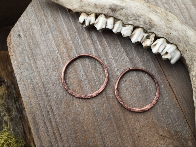 Making hammered copper hoops sh - mossyelf | ello