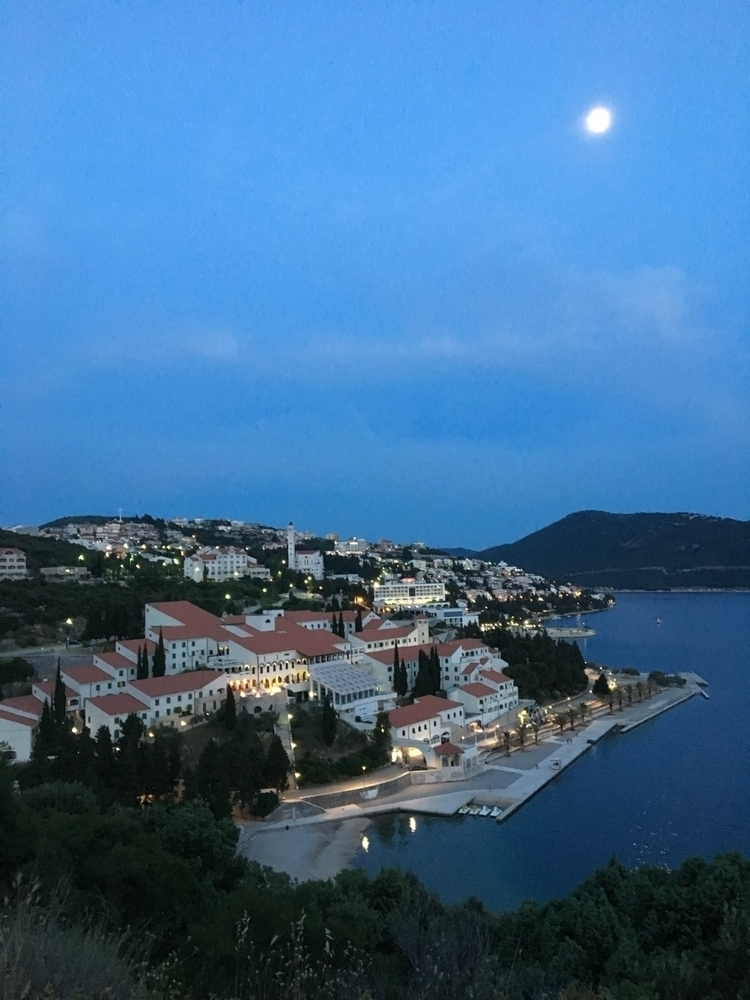 …passing town situated Bosnia 2 - rowiro | ello