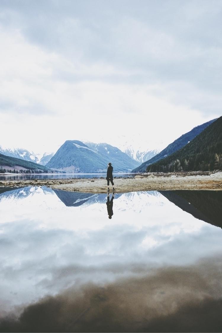 respects person sees mirror, st - davidarias | ello